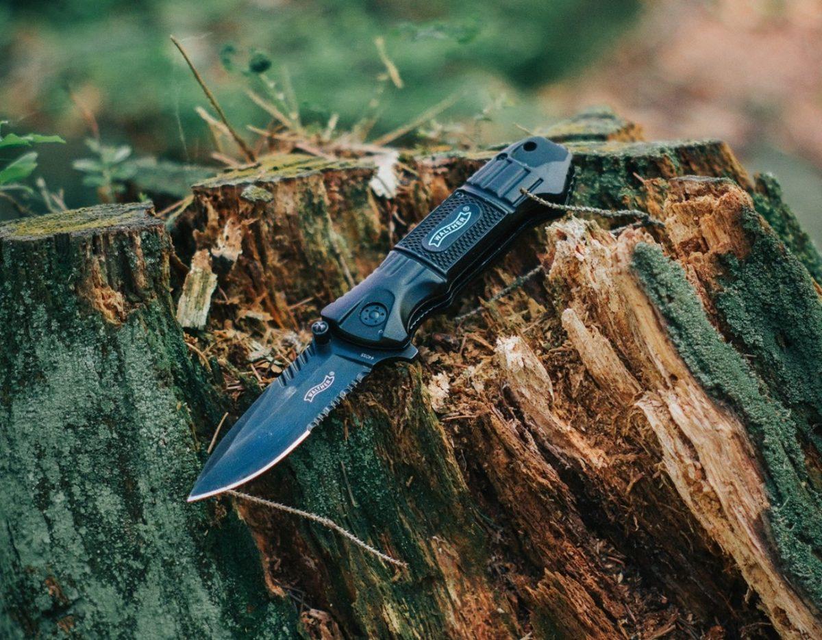 アウトドアの必携ギア「ナイフ」